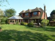 4 bed home in 4 bedroom Detached House...