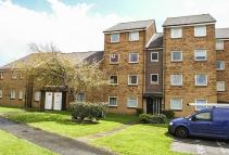 2 bed Apartment in Lake Drive, BN10 7QD