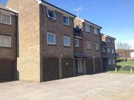 Apartment to rent in Lake Drive, Peacehaven...