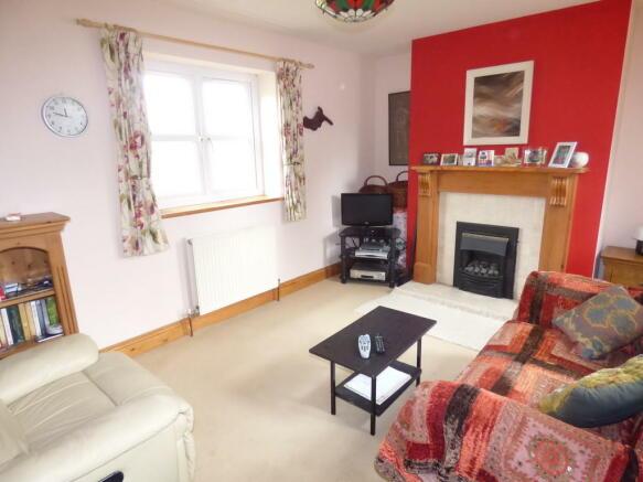 Cottage Sitting R...