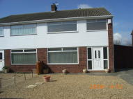 3 bedroom semi detached house to rent in Chestnut Drive...