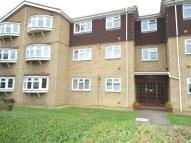 Ground Flat in 8 Hurstwood CourtHall...