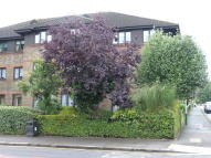 1 bed Ground Flat in Huskards...