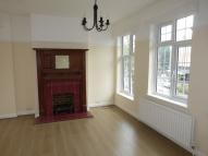 Flat in Station Road, Upminster...