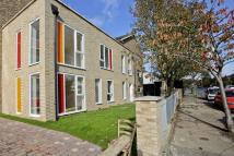 3 bedroom Flat in Rennets Wood House...