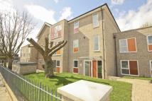 3 bedroom new Flat in Flat 19 Rennets Wood...