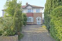 3 bed semi detached home in Dumbreck Road, Eltham SE9