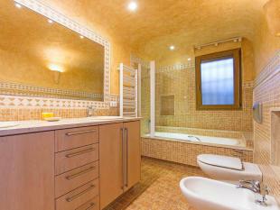 Luxury Villa in Moraira, Bathroom