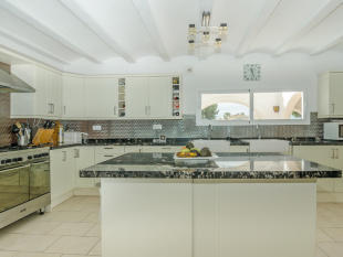 Luxury Villa in Moraira, Kitchen