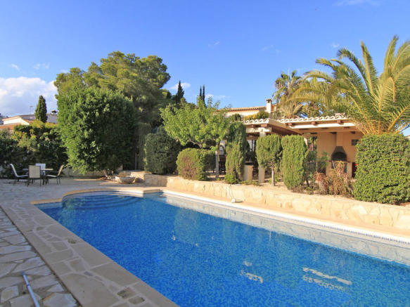 Luxury Property in Moraira, pool