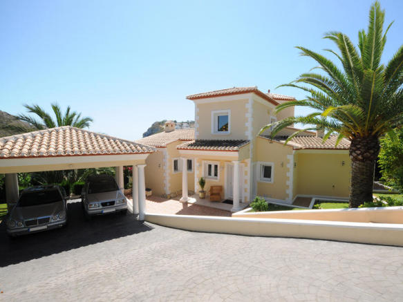 Luxury Villa in Moraira, Villa