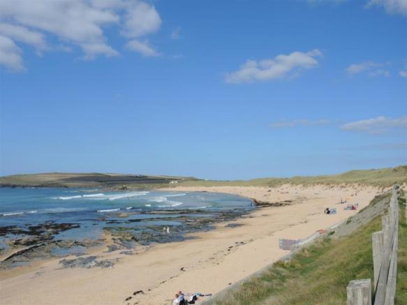 Nearby Constantine bay