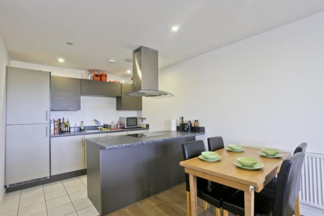 Fully Fitted Kitchen with Dining Area