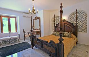 Moorish bedroom