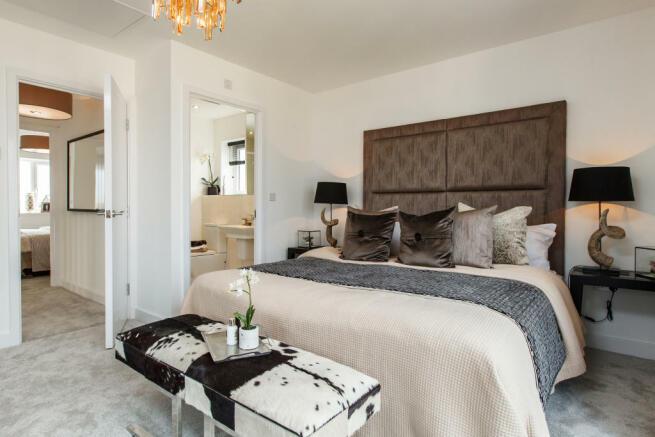 Royal_Ensleigh_Bedroom1