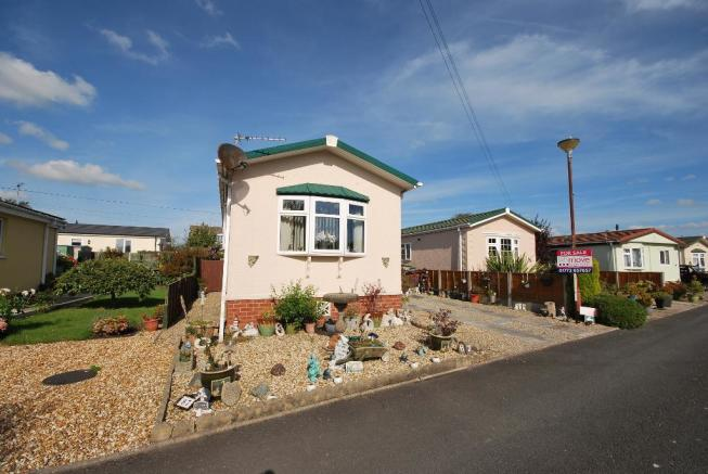 1 bedroom park home for sale in willow drive lamaleach