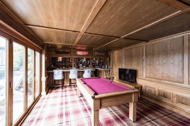 Games room/bar