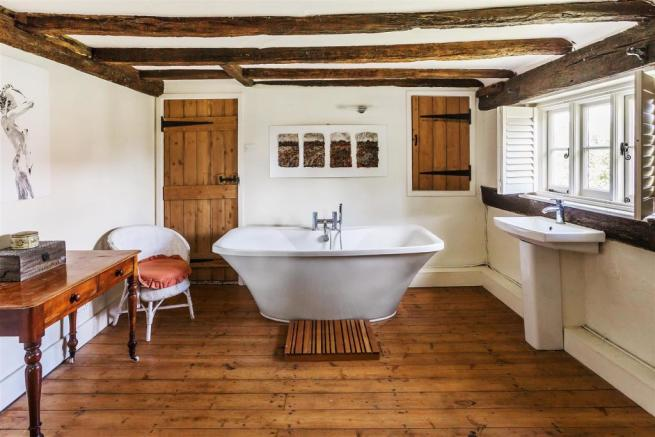 house. estate agency Alfold bathroom