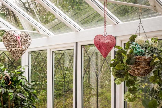 house. estate agents Dunsfold Conservatory