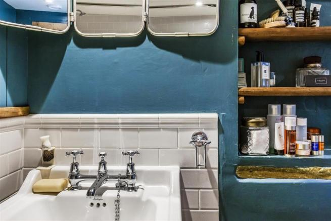 house. estate agency Milford washbasin