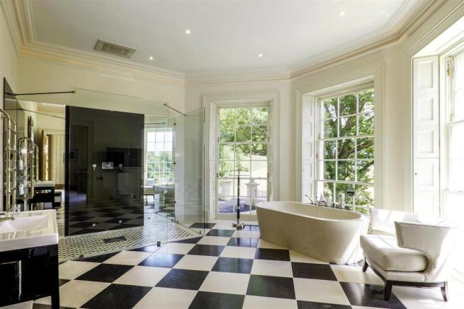 house. estate agents Lurgashall His Bathroom