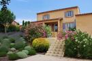 Detached Villa for sale in L`Isle-sur-la-Sorgue...