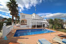 8 bedroom Country House for sale in Alhaurin de la Torre...