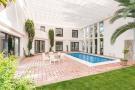 4 bed Villa for sale in Nueva Andalucia, Malaga...