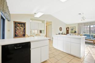 SOLD @ $377,500