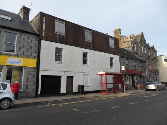 Hotel for sale in former grapes hotel victoria street for Former hotel for sale