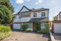 5 bedroom Detached house to rent in Bridle Road, Pinner