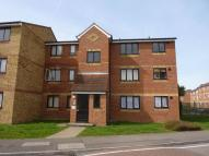 Apartment to rent in Redford Close, Bedfont...