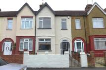3 bed Terraced home in Danesbury Road, Feltham...
