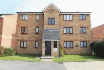 Studio flat in Redford Close, Feltham...