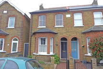 3 bed semi detached house in Kings Road, Feltham, TW13
