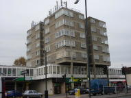 Flat for sale in Hampton Road West...