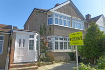 3 bedroom End of Terrace house for sale in Sunningdale Avenue...