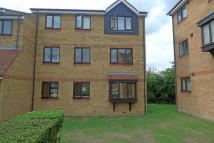 Ground Flat in Redford Close, Bedfont...