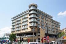 Flat to rent in Azalea House Feltham...