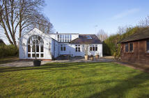 5 bedroom Detached home for sale in Wargrave Road, Twyford...