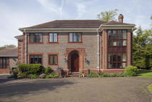 5 bedroom Detached property in Greenwood Road...
