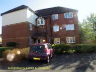 2 bedroom Flat in Ross Court...