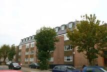 Studio apartment to rent in Wostenholm Road...