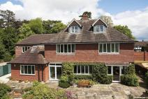 Detached home in Hallow Road, Worcester...