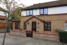 3 bed semi detached house in Beretun, Two Mile Ash...