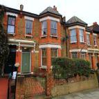 Flat in Mildenhall Road, Clapton...