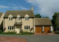 4 bed Detached home in Foxbury Court...