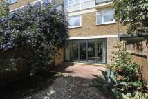 3 bed Ground Maisonette in Newman House...