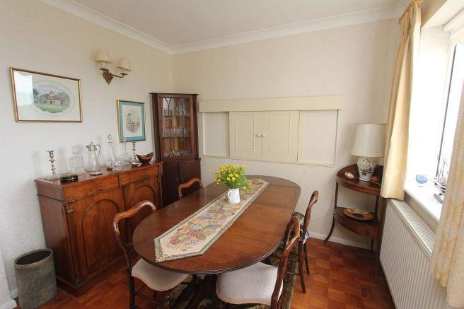 Living Room/ Dining recess