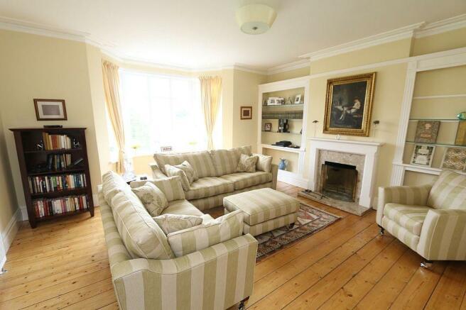 Lounge/Bedroom 4